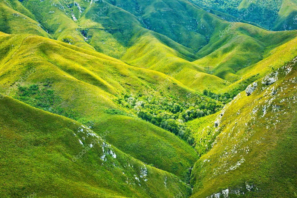 South African mountains beautiful landscape background, green spring aerial view of African continent, scenic wild nature, Outeniqua Pass, ecotourism and travel — Stock Photo #9789982