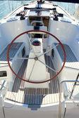 Popa do barco com volante grande veleiro — Foto Stock