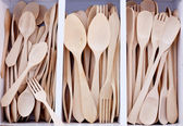 Box with wooden cutlery in beech wood — Stock Photo