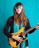 幽默复古复古髋关节重七十年代吉他 playe — 图库照片