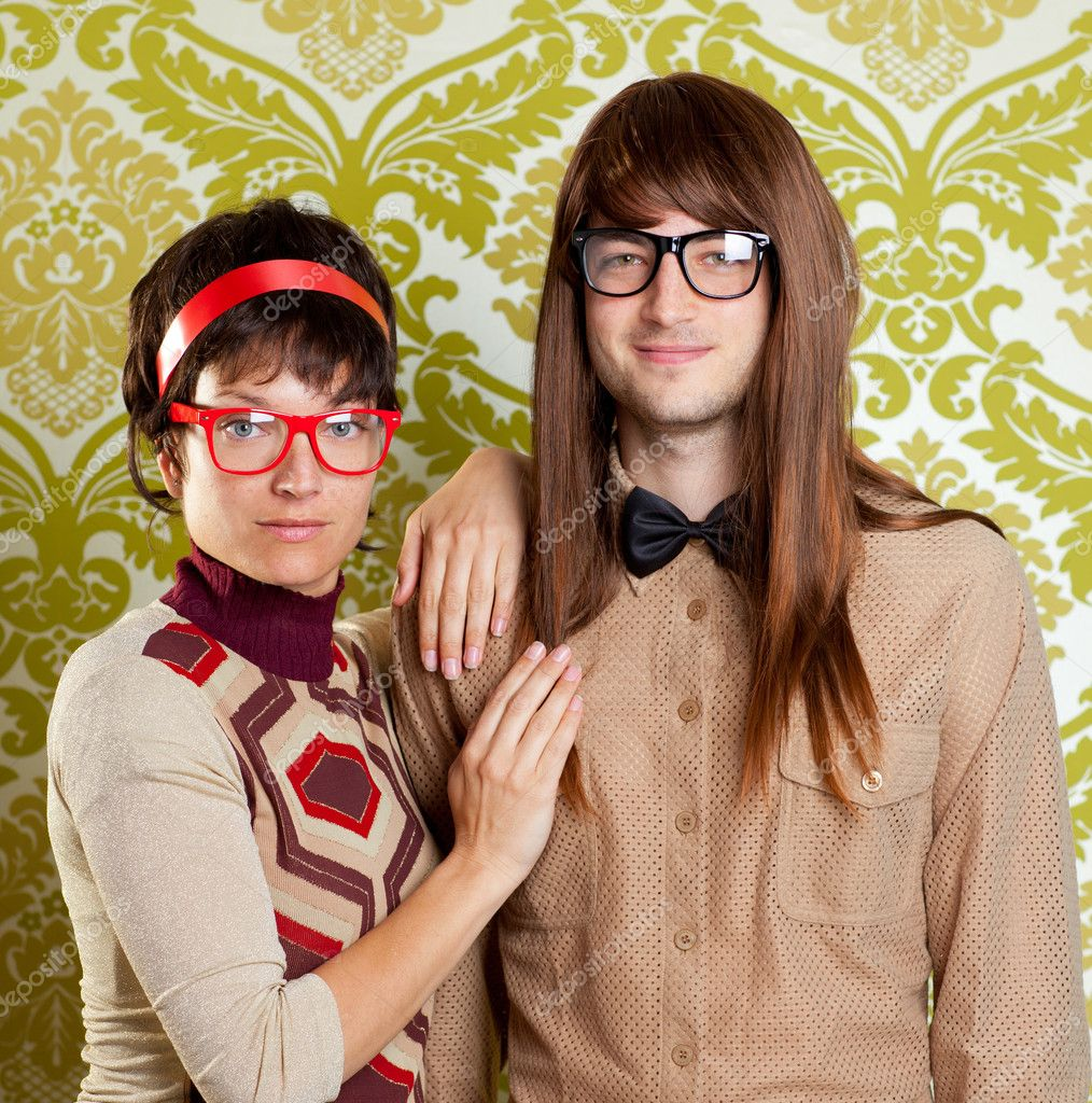 Funny humor silly nerd couple on retro vintage wallpaper background — Stock Photo #9859488