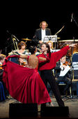 Dancers and Strauss Festival Orchestra Vienna — Stock Photo