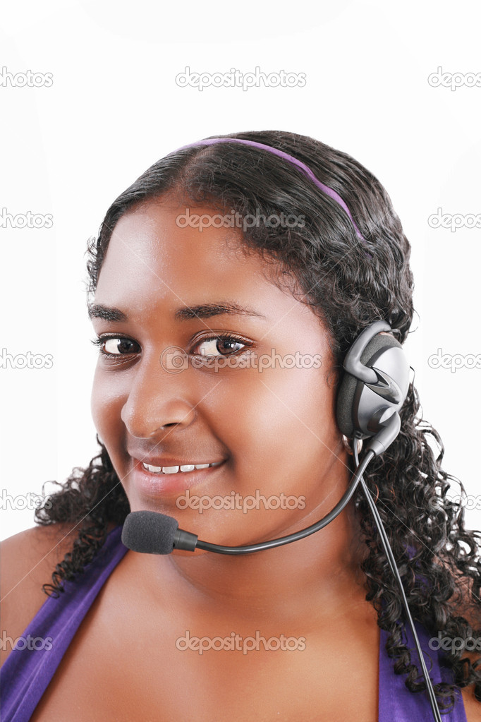 Smiling black customer service and support woman wearing headset — Stock Photo #10334965