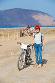 Mädchen auf fahrrädern — Stockfoto