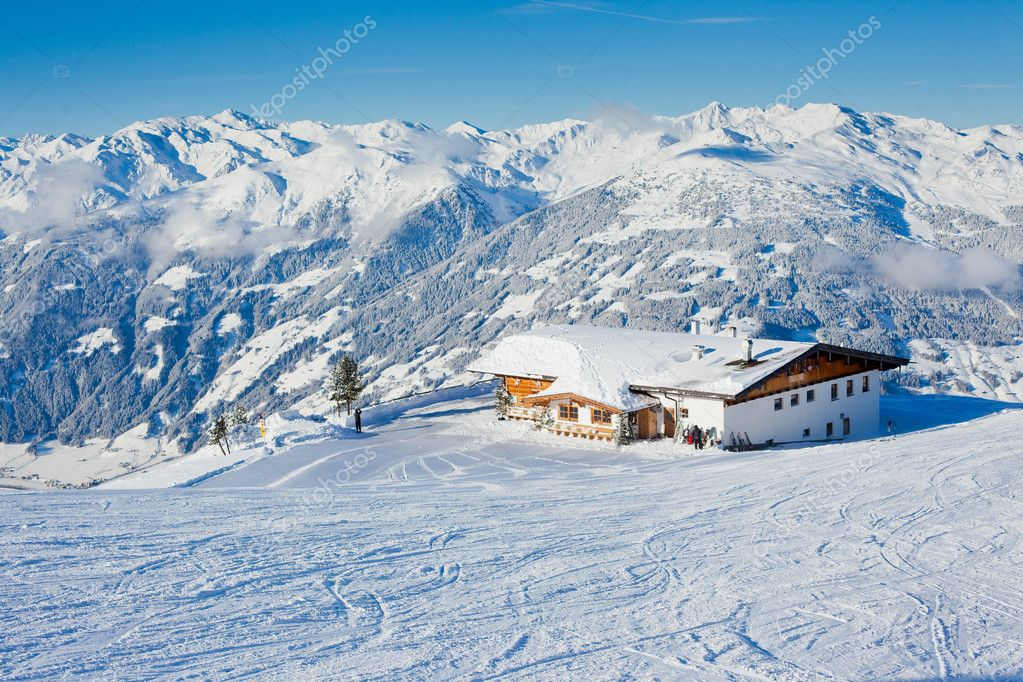 The alpine skiing resort in Austria Zillertal — Stock Photo #8900573