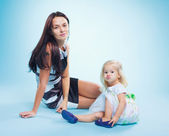 Portrait of the mother and daugther — Stock Photo