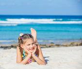 Adorable girl on the beach — Stock Photo