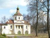Nadvratnaya Vsehsvyatskaya church in city Vyazniki — Stock Photo