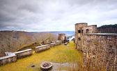 Antigas ruínas no topo da montanha — Foto Stock