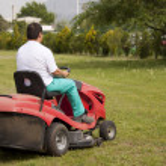 Cutting grass — Stock Photo #10398311