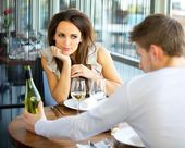 Mujer enamorada en cita romántica — Foto de Stock