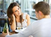 Randki para w restauracji — Zdjęcie stockowe