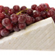 Brie and grapes — 图库照片