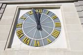 Large clock — Stockfoto