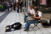 STOCKHOLM, SWEDEN. AUGUST 21, 2011. Buskers with hangs — Stock Photo