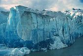 Blå is i alaska — Stockfoto
