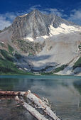 Alpine Lake in the Wilds — Stock Photo