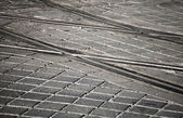 Gatan järnvägen pekar på granit gatsten — Stockfoto