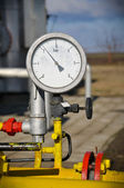 Manometers pressure gas line with valve — Stockfoto