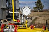 Manómetros de presión de tubería de gas con válvula — Foto de Stock