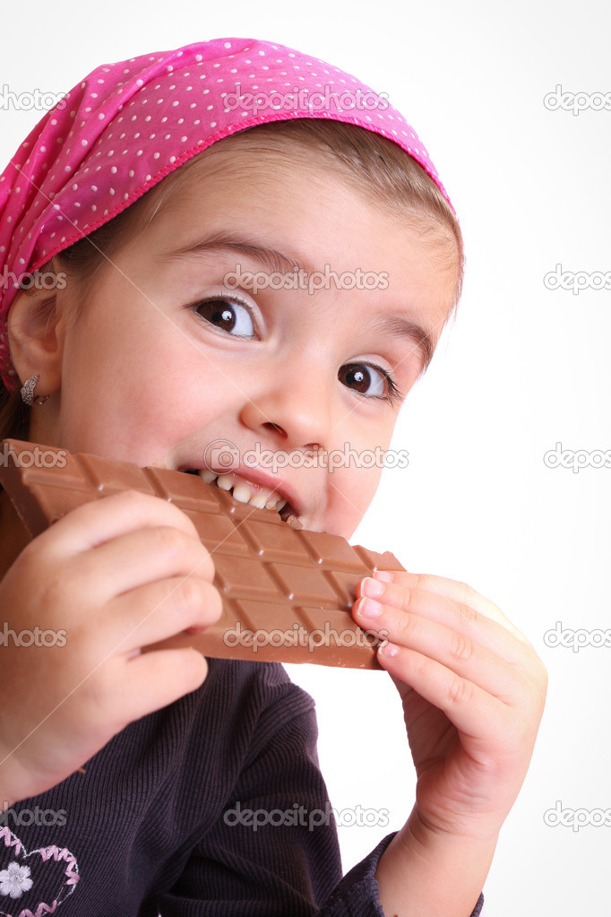 PHOTOS OF GIRLS EATINGCHOCOLATE