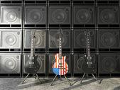 Três guitarras nos estilo, dois pretos — Fotografia Stock