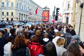 Large crowd of on Nevsky Prospect — Stock Photo