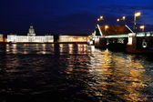 Palace Bridge at night. Saint-Petersburg, Russia — Stock Photo
