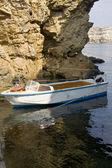 łódź i rock — Zdjęcie stockowe