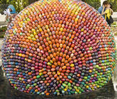 Sculpture of easter egg. — Stock Photo