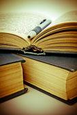 Açık kitap — Stok fotoğraf