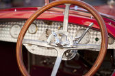 Wood steering wheel — Stock fotografie