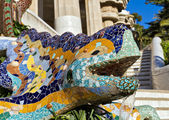 Sculpture of a dragon in Park Guell — Stock Photo