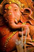 La estatua de ganesha dios indio en el templo de packzy, tailandia — Foto de Stock