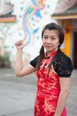 ハッピー中国の旧正月 - アジアの美しい若い女性 — ストック写真