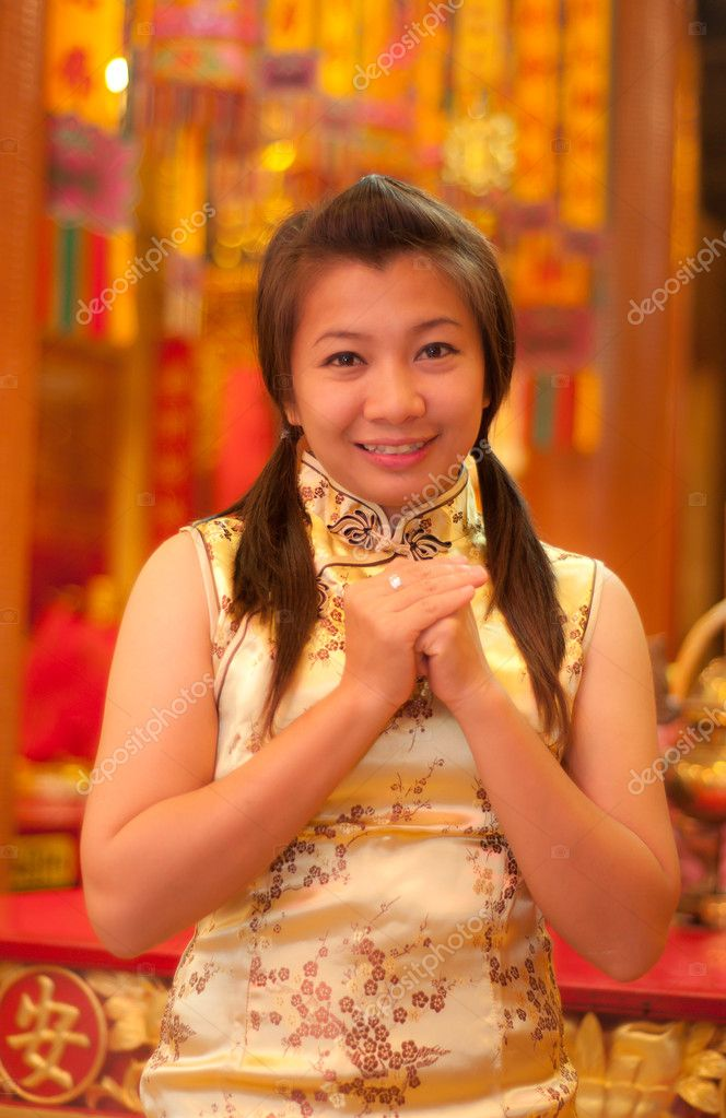 Happy Chinese new year - beautiful young Asian woman — Stock Photo #8651291