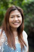 Mulher atraente tailandês asiática sorridente — Foto Stock