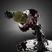 Ananas in sap — Stockfoto