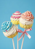 Colorful cupcake pops — Stock Photo