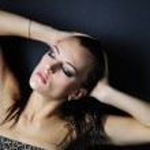 Beautiful girl model in leopard topic — Stock Photo