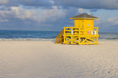 Lifeguard Hut Yellow — Stock Photo