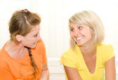 Two beautiful young girls talking — Stock Photo