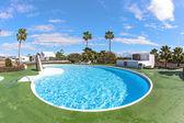 открытый бассейн в испании — Стоковое фото