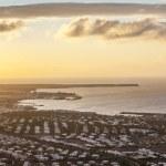 vue sur playa blanca le matin avec la lumière dorée — Photo