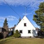 Generic family home in suburban area — Stock Photo #8293277
