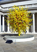 Sun at Dale Chihuly's glass Art sculpture at the Legion of hono — Stock Photo