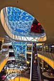 Moderní architektura v myz nově slavnostně obchodní centrum — Stock fotografie