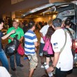 Police tries to calm down demonstrants - vendors of Patpong Nigh — Stock Photo
