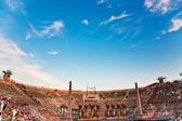 Are waiting for the start of the opera in the arena of verona — Stock Photo