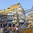 Downtown traffic scene in old Delhi near Meena bazaar — Stock Photo